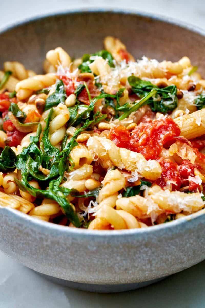 Bowl with pasta and greens.